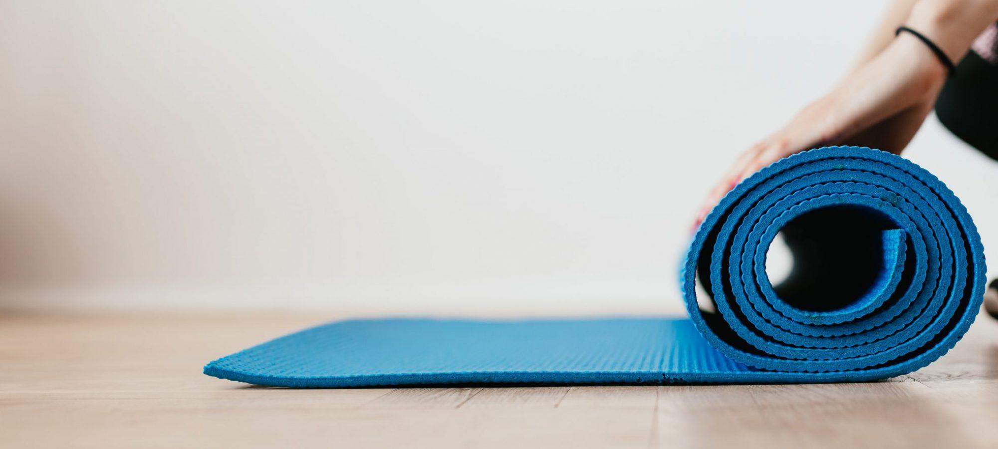 Sonnengelb Himmelblau Yoga
